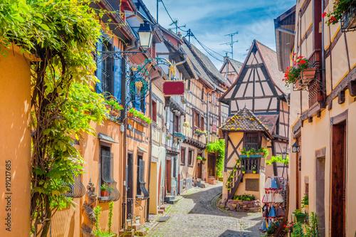 Charming street scene in old medieval village in Europe in summer Canvas-taulu