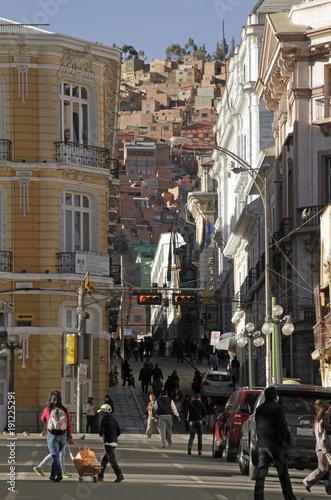 In de dag Havana Street scene in La Paz, Bolivia