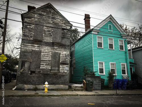 Fotomural turquoise house and boarded house