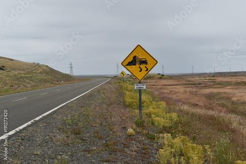 Poster Nieuw Zeeland señal de trafico ruta con hielo por sombra