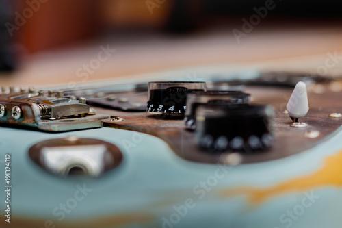 Photo  E-Gitarre mit Potimetern
