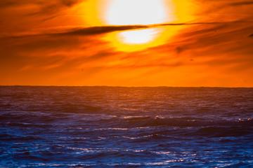 Fototapetazachodzące słońce