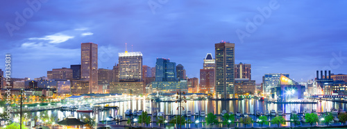 Poster Verenigde Staten Downtown city skyline and Inner Harbor, Baltimore, Maryland, USA