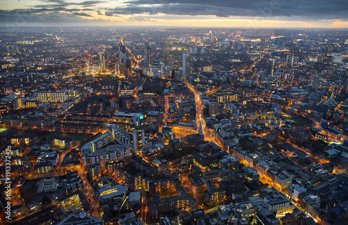 Arial view of London at dusk Fotobehang