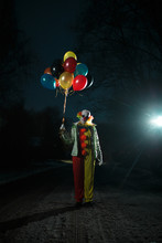 Photo Of Clown With Balls In H...