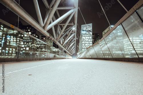 Fotografie, Obraz  Akrobaten pedestrian bridge
