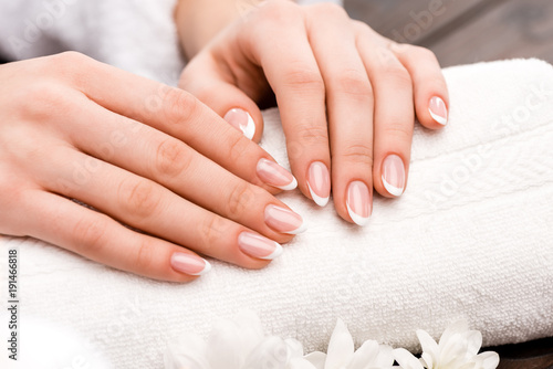 Staande foto Manicure cropped view of woman making medicine in beauty salon, nail care concept
