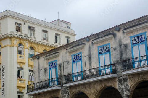 In de dag Havana Blue and Yellow Buildings Havana