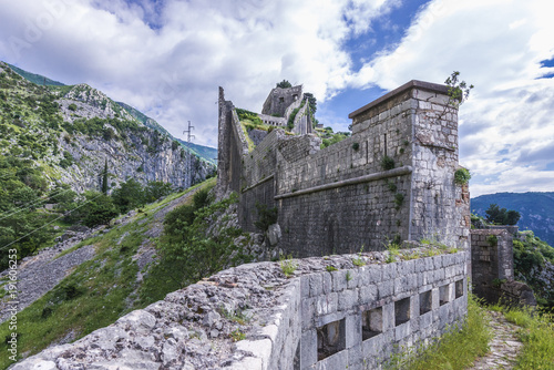 Photo sur Aluminium Fortification St John Fortress remains on a mountain in Kotor, Montenegro