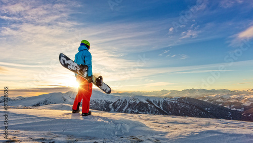 obraz PCV Snowboarder on the top of mountain, Alpine scenery
