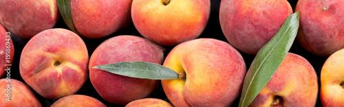 close up of fresh peaches Fotobehang