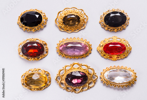 Slika na platnu Set of vintage brooches