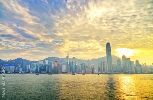 Photo sur Toile Hong-Kong Victoria Harbor and Hong Kong skyline at sunset.