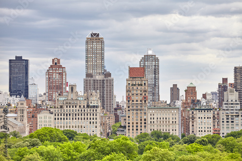 Plakat Manhattan linia horyzontu nad central park, Miasto Nowy Jork, usa.