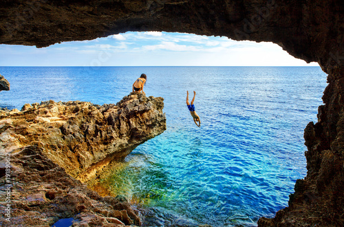 Cadres-photo bureau Chypre Sea cave near Cape Greko of Ayia Napa and Protaras on Cyprus island, Mediterranean Sea.