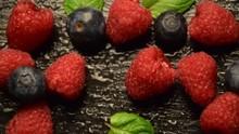 Marja Fructe De Pădure Berry Frutti Di Bosco Waldbeeren Fruta Del Bosque ثمرة Soft Fruit توت