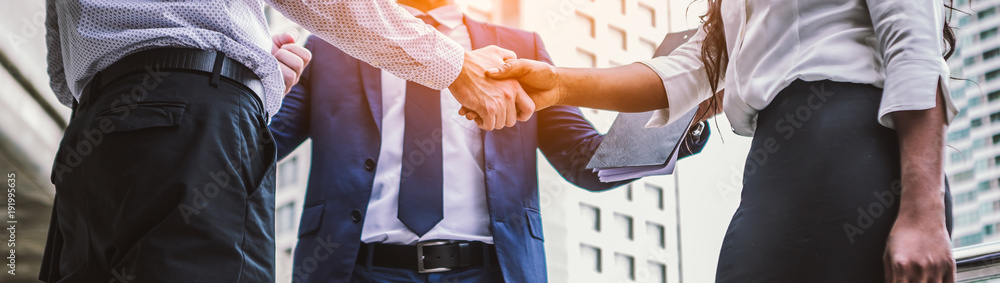 Fototapety, obrazy: handshake of business People Colleagues Teamwork Meeting .Hold hand and shaking hand in city