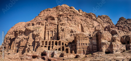 Poster Con. ancienne Dwellings homes in Petra lost city