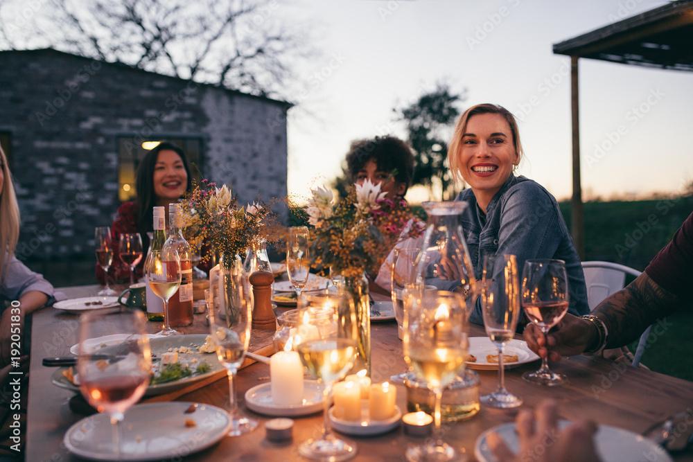 Fototapety, obrazy: Millennials enjoying dinner in outdoor restaurant