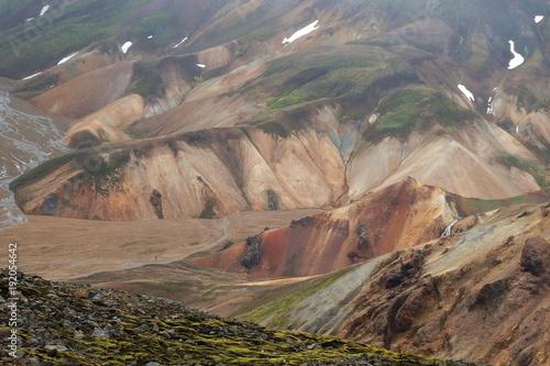Fototapeta Islandia - Tęczowe Góry Landmannalaugar w interiorze obraz