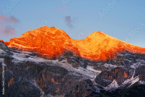 Spoed Fotobehang Vulkaan Sunrise light over Tofana di Rozes (3225m) in the Dolomites, Italy, Europe