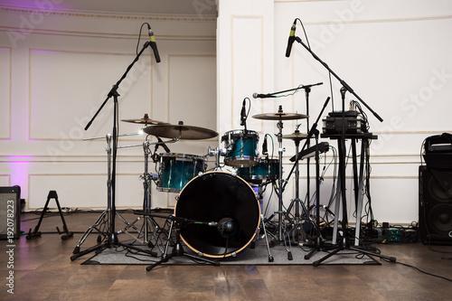 Fotografia drum set before a live concert