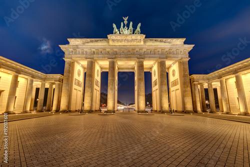 Keuken foto achterwand Berlijn The illuminated Brandenburg Gate in Berlin at night