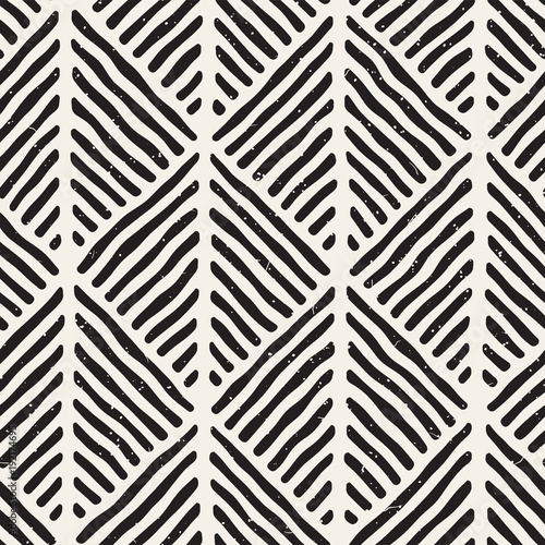 Fotografiet  Seamless geometric doodle lines pattern in black and white