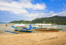 Traditional Philippine Boats O...