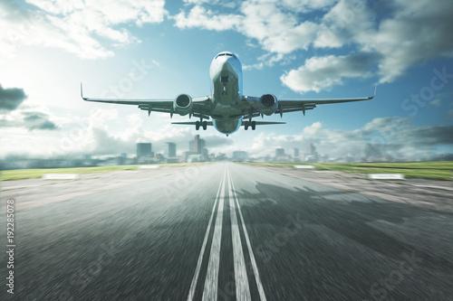 Flugzeug im Landeanflug Wallpaper Mural