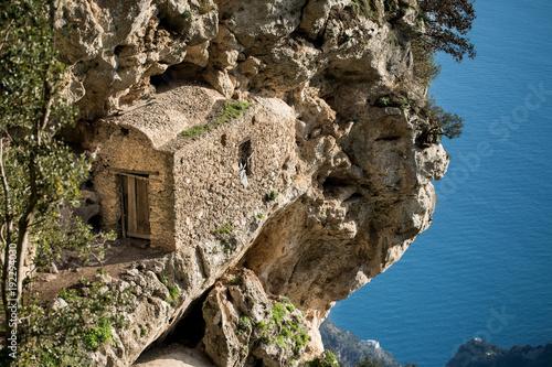 Il Sentiero degli Dei, partendo da Agerola e finendo a Nocelle, con vista di Positano, Praiano ed Amalfi Poster