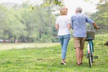 Leisure Lifestyle,Senior Coupl...