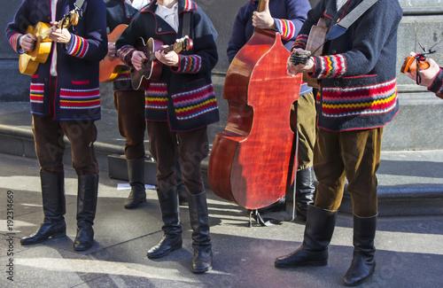 Fotografia  Croatian tamburitza musicians in traditional Croatian folk costumes