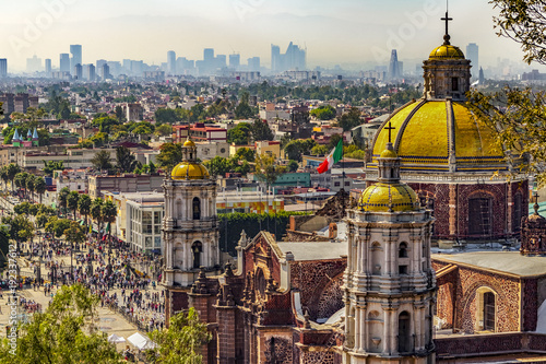 Tuinposter Mexico Mexico. Basilica of Our Lady of Guadalupe. The old basilica and cityscape of Mexico City on the far
