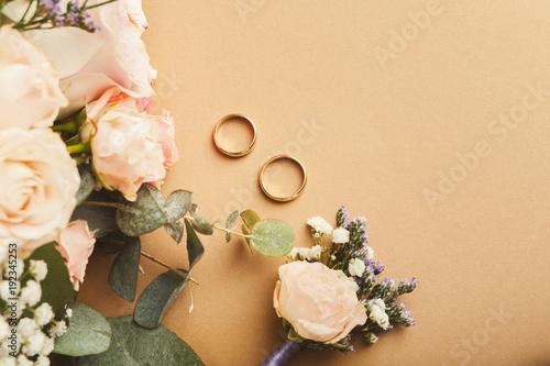 Fotografie, Obraz  Wedding bouquet and gold rings, closeup