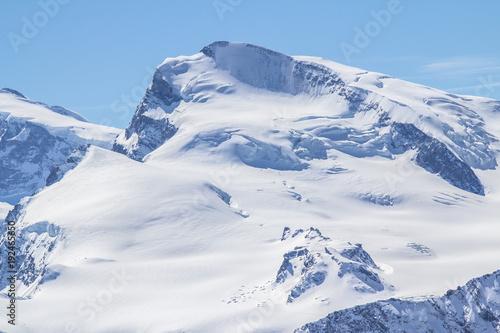 Papiers peints Alpes The mountain range in Saas Fee, Switzerland