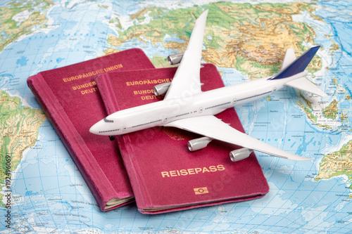 Fotografie, Obraz  Eine Weltreise für den Urlaub planen
