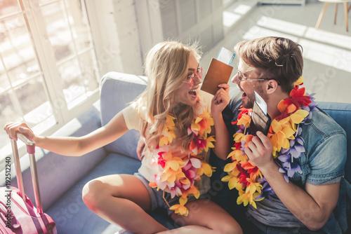 Fotografia  Couple preparing for travel