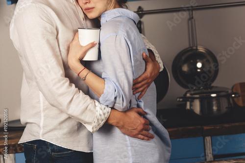 Fotografie, Tablou  Завтрак влюбленной пары на кухне.