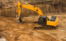 Working Excavator Tractor Digg...