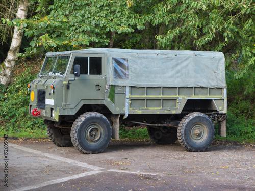 Photo  4x4 army vehicle