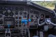 Cockpit eines Militärtransporters der Luftwaffe