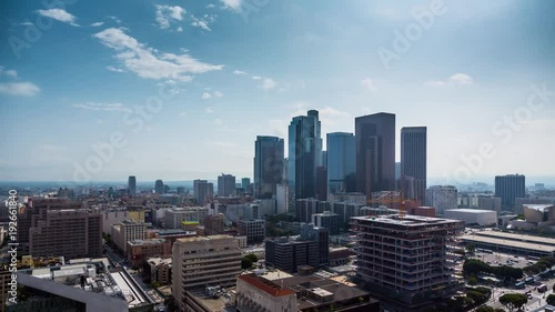Etiqueta engomada - Beautiful sunny day downtown Los Angeles Aerial view city pan down 4K timalapse