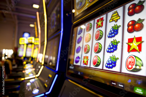 Foto Slot machines in casino