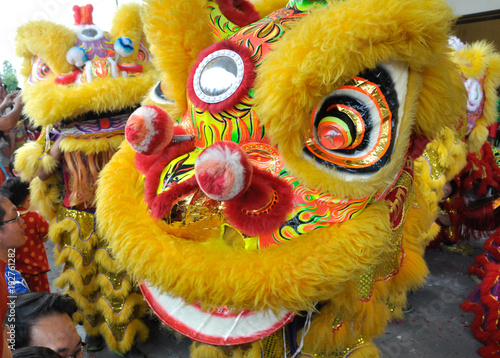 Photo  Chinese lion mask or lion head used to performed lion dance during Chinese New Year Festival at Seremban, Malaysia
