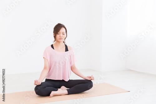 Poster Ecole de Yoga フィットネスイメージ 全身