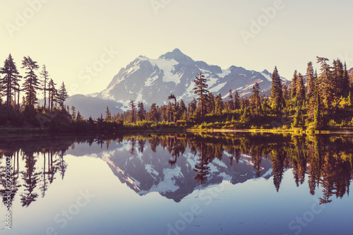 Foto op Canvas Beige Picture lake