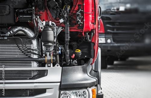 Broken Semi Truck Service