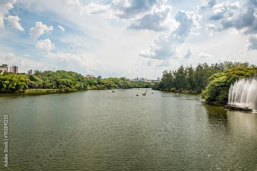Parque Taquaral na cidade de Campinas - São Paulo