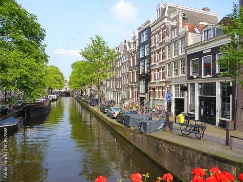 Photo Maisons et canal de Bloemgracht dans le quartier du Jordaan à Amsterdam (Pays-Ba